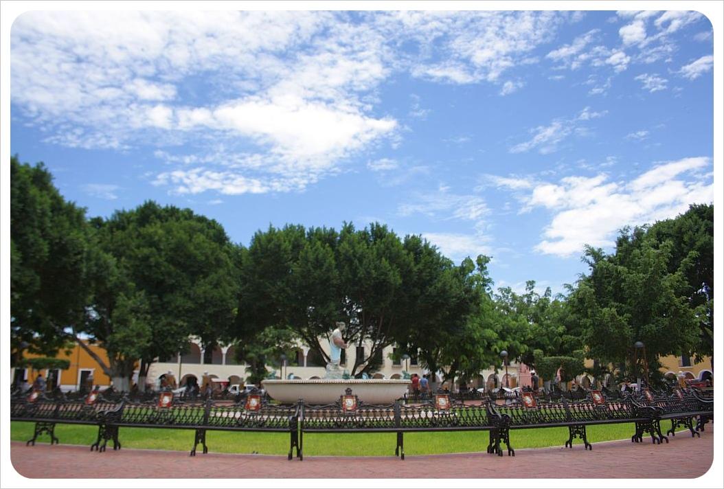Zocalo Fountain & Benches valladolid