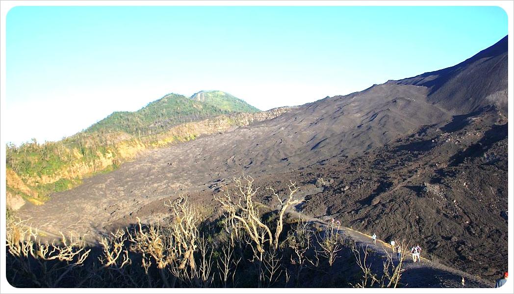 hike volcano Pacaya