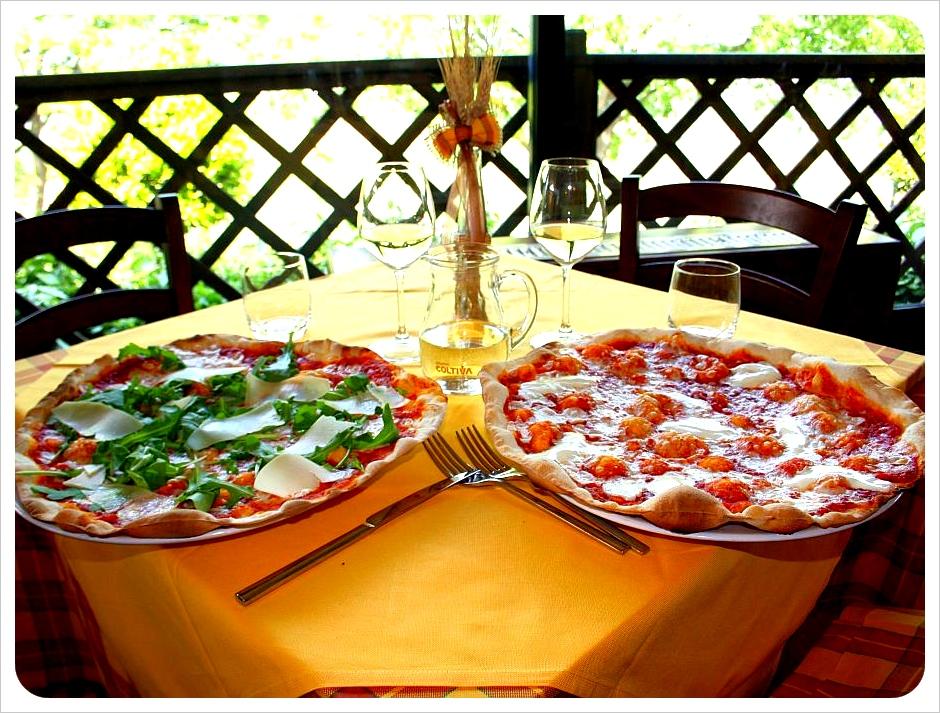 Pizza at Il Ciampi in Montaione Italy