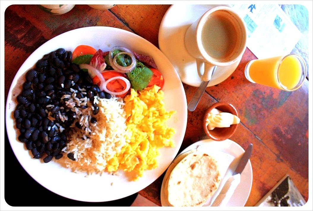 Desayuno Tipico Guatemalteco