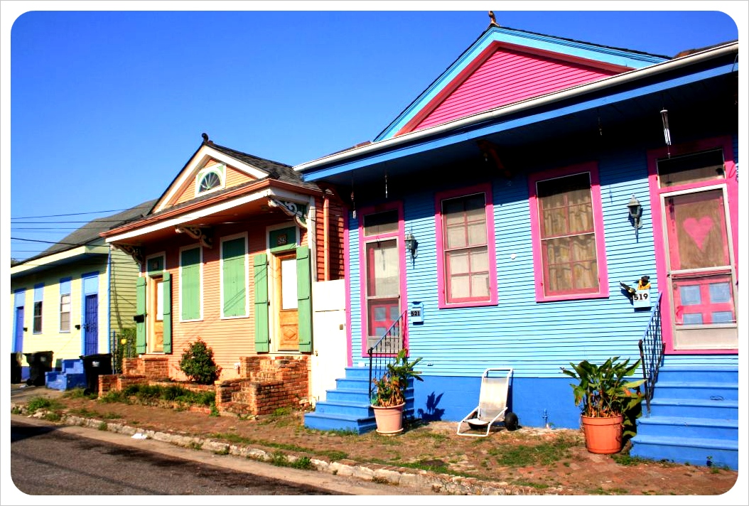 new orleans colorful houses
