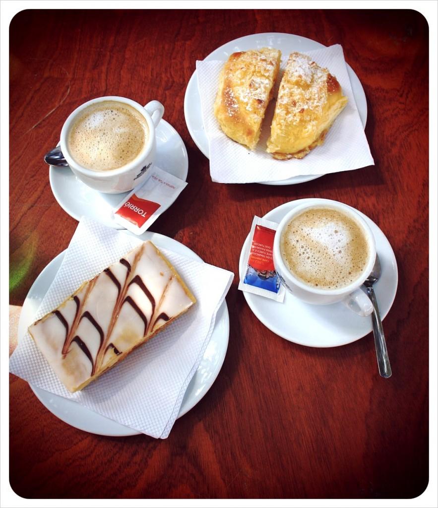 pastries & meia de leite