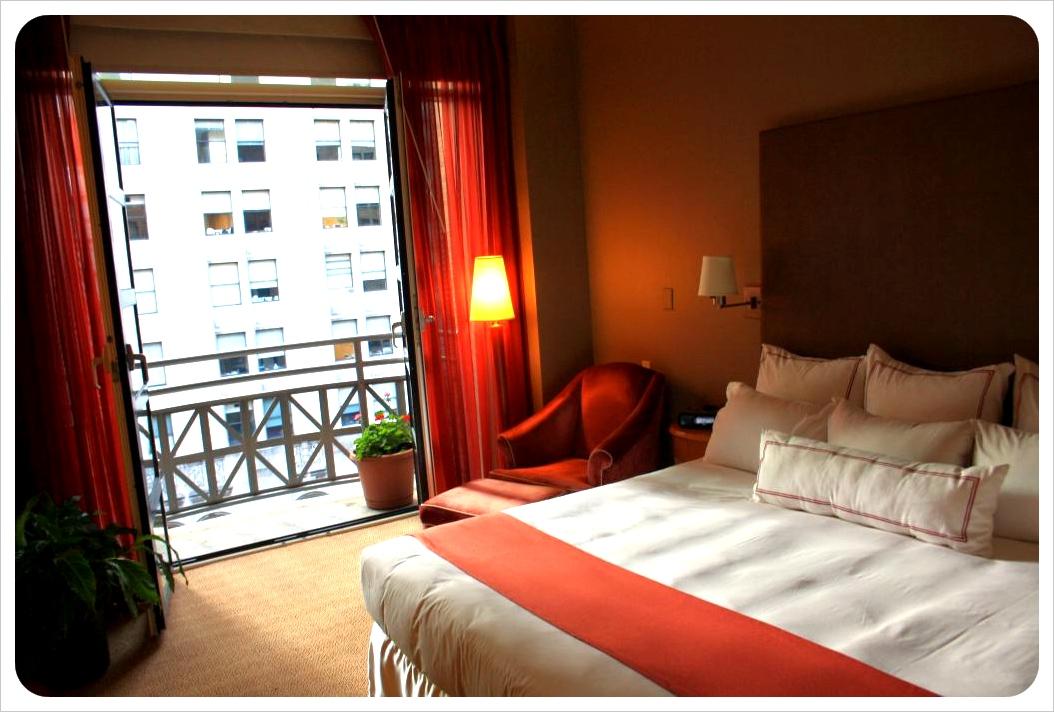 Hotel Giraffe Room & Balcony