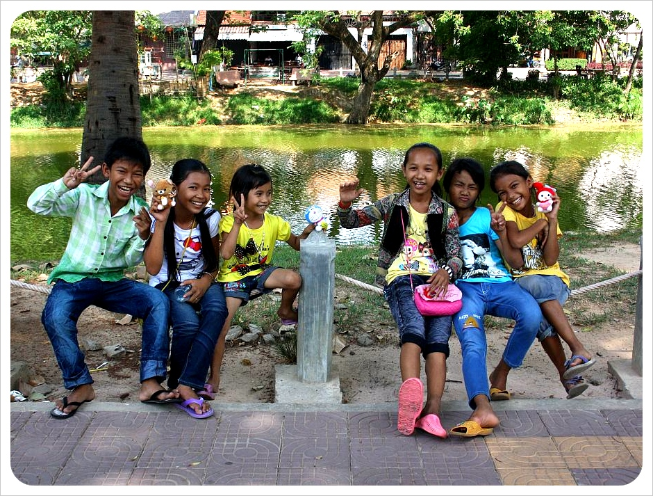 kids in siem reap cambodia