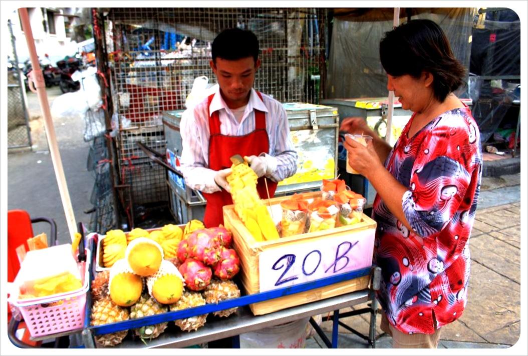 bangkok fruit vendors
