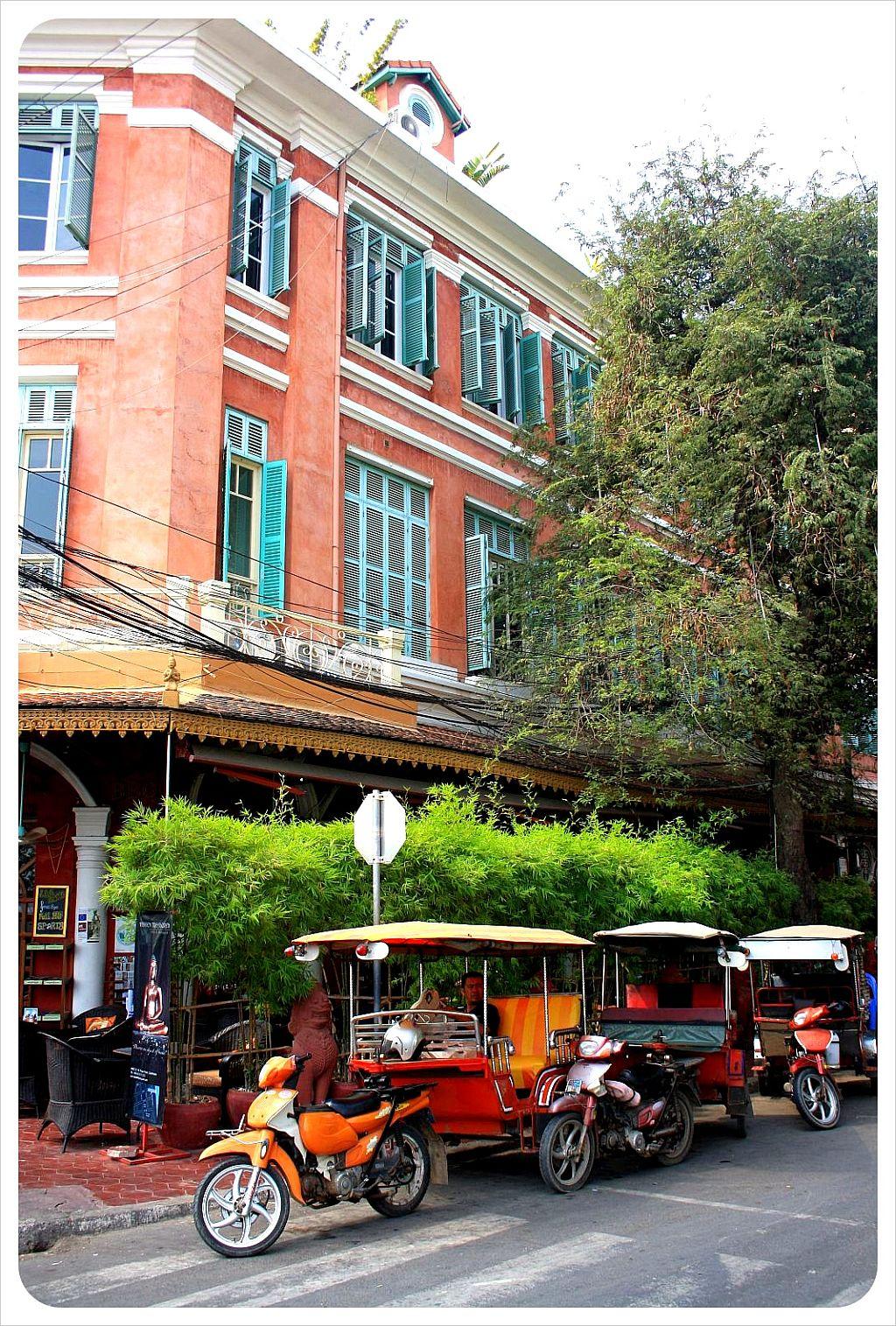 phnom penh tuktuks