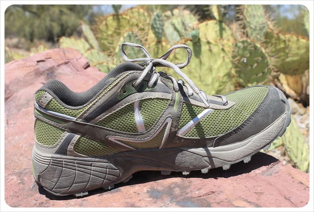 vasque velocity trail running shoes