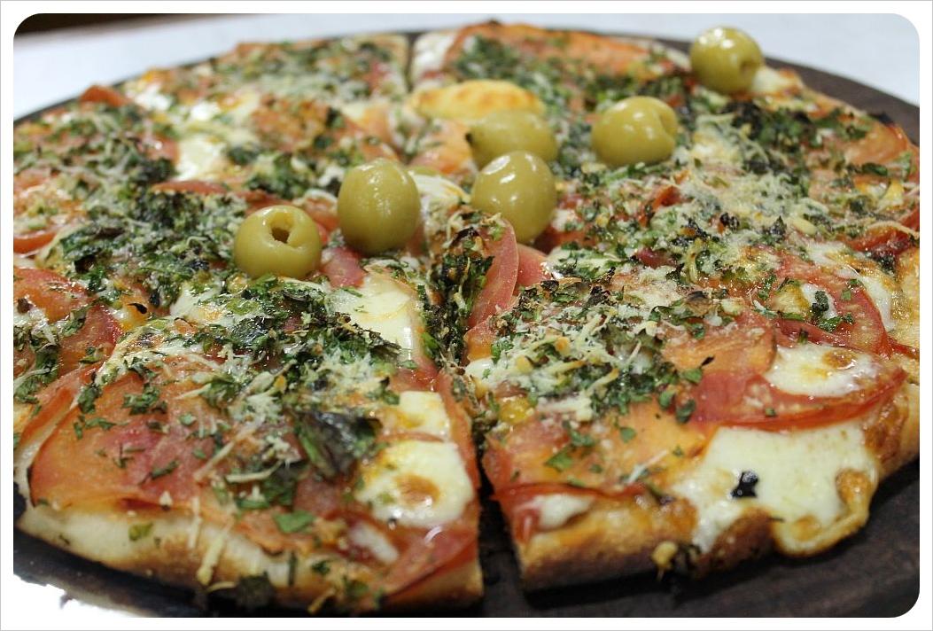 pizza at el cuartito