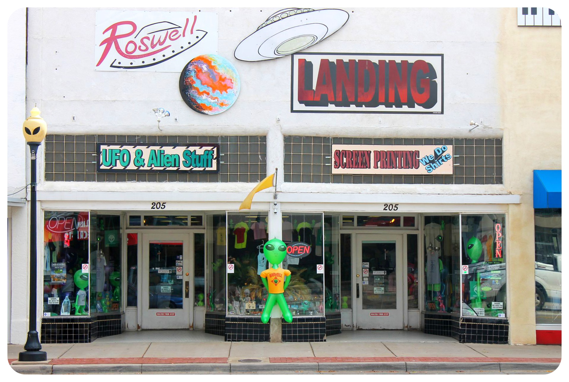 Roswell, New Mexico: Town with an identity crisis