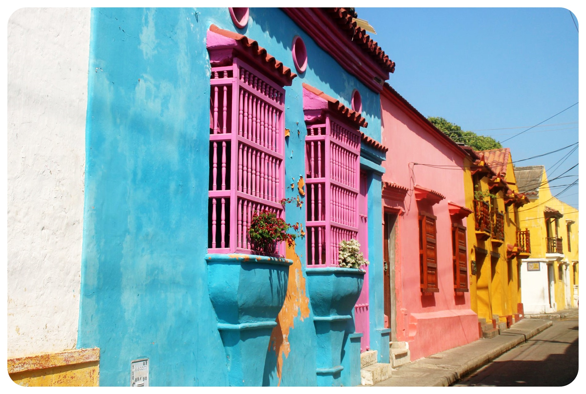 cartagena-colorful-houses-colombia